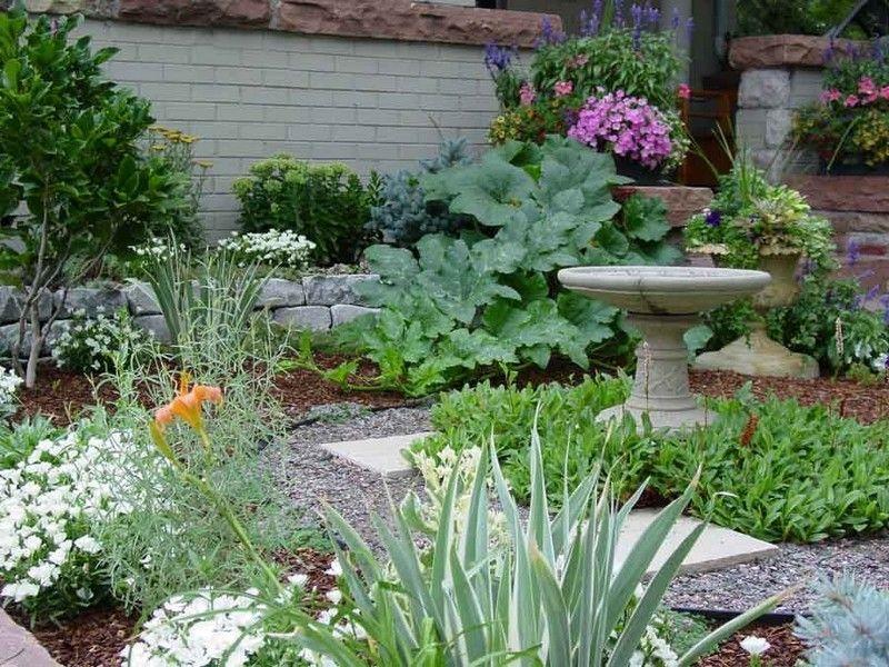 цветные уголки в саду фото нужно